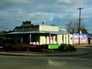 Mackie's Store Corner