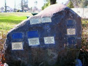 Memory Park monument2