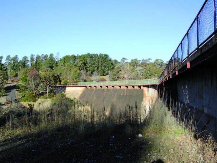 Lake Canobolas Dam wall